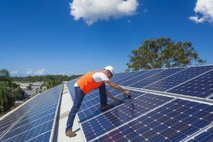 Installation einer Solarstromanlage, arbeiten wie die Profis