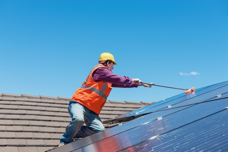 Reinigung einer Solarstromanlage